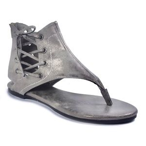 NWT Pierre Dumas, sandals in pewter.